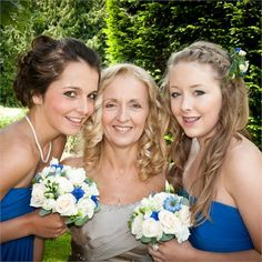 The Bride with her Bridesmaids - http://www.hitched.co.uk/real-weddings/jo-grant_153/the-beautiful-bride-with-her-bridesmaids.htm