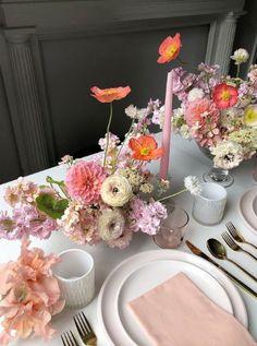 Wedding Table Centerpieces, Flower Centerpieces, Reception Decorations, Centrepieces, Centerpiece Ideas, Table Arrangements, Floral Arrangements, Fox Design, Floral Design