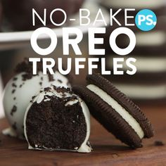We our beloved Oreos and turning them into a decadent truffle with this easy, no-bake recipe. Here's the best part: it only calls for three ingredients! If you're looking for more fantastic Oreo treats, check out these Oreo-packed recipes. Oreo Truffles Recipe, Truffle Recipe, Chocolate Truffles, Chocolate Oreo, Chocolate Desserts, Melted Chocolate, Truffles Easy No Bake, Diy Truffles, How To Make Truffles