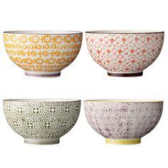 ceramic bowls from Bloomingville. www.bloomingville.com