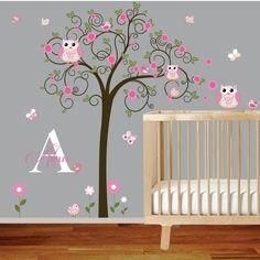 schönes Muster mit Baum, Blumen und Vögel