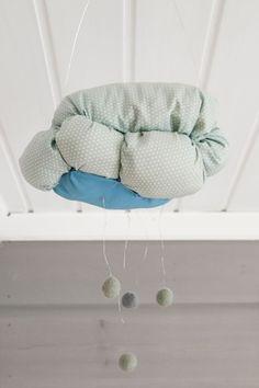 Kodin1, Elämäni koti, Vierasblogi Tarja's Snowland, Lastenhuoneen pilvityynyt ja DIY-mobile #elamanikoti