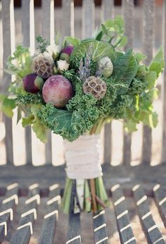 Kale bouquet photo via Sweet Violet Bride Wedding Centerpieces, Wedding Bouquets, Wedding Flowers, Wedding Decorations, Edible Bouquets, Floral Bouquets, Bunch Of Flowers, Fresh Flowers, Herb Wedding