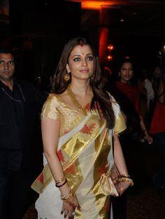 Aishwarya Rai Bacchan looks stunning in this Bengali traditional saree.