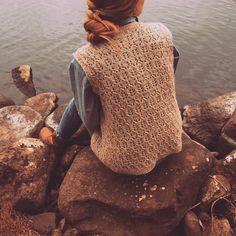Yay! It's ready! More photos on my blog. :) #knitstagram #knittersofinstagram #instaneulojat #knitting #neulominen #käsityöblogit #diy…