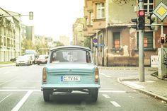 Unterwegs in Zwickau: Wir fahren mit dem Trabant durch seine Heimatstadt East German Car, East Germany, Small Cars, Pixar, Vintage Cars, Cities, Memories, Vehicles, Pictures