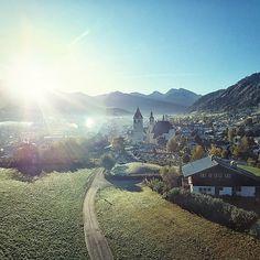Die kleine 8000 Einwohner Stadt in den Kitzbüheler Alpen ist einfach etwas ganz besonderes.     #Regram via @green_kitz Wilder Kaiser, Mount Everest, Mountains, Instagram, Places, Nature, Travel, City, Simple