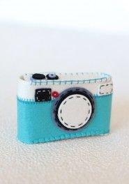 snapshot felt camera case in teal
