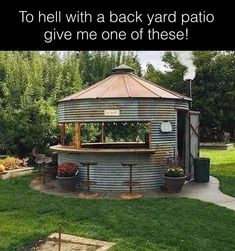 15 Anti-Mainstream Living Space Design From Grain Bin House Backyard Gazebo, Backyard Landscaping, Diy Gazebo, Gazebo Ideas, Pergola, Backyard Projects, Outdoor Projects, Rustic Outdoor Structures, Rustic Outdoor Bar