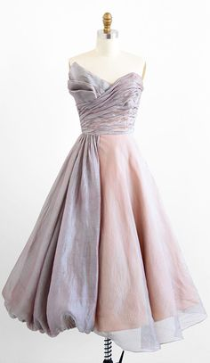 vintage late 1940s shimmering organza fairy tale dress   new look evening dresses   www.rococovintage.com #VintageLove