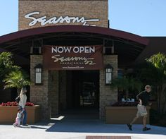 Darden Restaurants — Olive Garden, Red Lobster, LongHorn Steakhouse, Capital Grille and more — opened Tampa's Seasons 52 in WestShore Plaza near the beginning of 2010, and it's been packed since.
