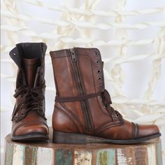 New Steve Madden Troopa Boot