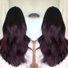 Haar ideen Kitchen Safety: Keeping Stovetops Burgundy Hair, Purple Hair, Red Hair, Pelo Color Berenjena, Hair Color And Cut, Hair Dye Colors, Brunette Hair, Gorgeous Hair, Balayage Hair