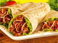 How to make Mexican burritos at home. Mexican Burritos begin with flour tortillas that square measure pleated and rolled to fully confine the filling. Mexican Burritos, Bean Burritos, Tacos And Burritos, Chicken Burritos, Beef Burrito Recipe, Vegetarian Burrito, Burrito Food, Monte Cristo Sandwich, Low Carb Recipes