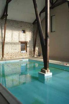 Piscine intérieure de la propriété pour pour création gîte ou chambres d'hôtes En Haute-Vienne,