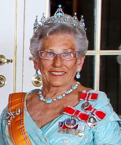 A beautiful belle epoque piece, circa 1890s, the turquoise tiara is part of a larger parure, including ear pendents, necklace, two bracelets and brooch.