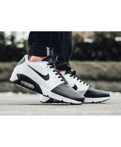 check out d863e c162c Store offers the official cheap Nike Air Max 90 Ultra SE Black White Mens  Trainers.