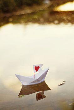 """Fine Art Photography cuore amore arredamento romantico San Valentino carta barca rossa dorata foto parete arte """"The Love Boat"""" on Etsy, $18.77"""