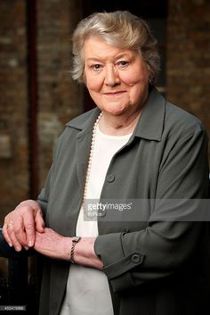 Patricia Routledge poses for a portrait at her Australian production. British Tv Comedies, British Comedy, British Actors, Comedy Actors, Actors & Actresses, Sherlock Au, Film Doctors, Keeping Up Appearances, Bbc Drama