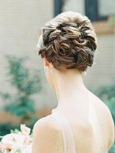 Wedding Hair, Stylist: BJ Grand Salon & Spa, Photo: Kina Wicks Photography - Illinois Wedding http://caratsandcake.com/katherineandkiran