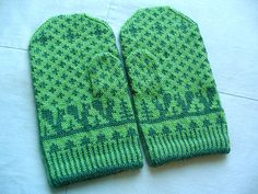 Elli Stubenrauch's free pattern for the knit Squirrelly Swedish Mittens.