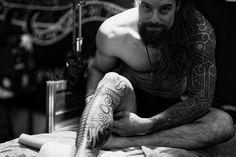 Орнаменты и руны для настоящих викингов: скандинавские татуировки от Peter Madsen   Онлайн-журнал о тату