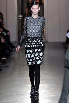 Rue du Mail | Fall 2012 Ready-to-Wear Collection | Vogue Runway