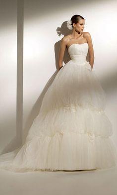 wedding dress. fluffy and cute
