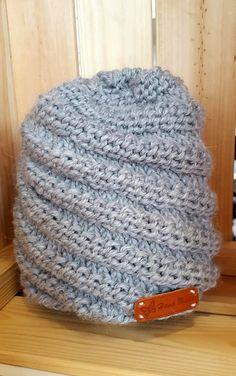 Lanka on ollut Lankasataman talven myydyimpiä lankoja ja sitä on Diy Crochet And Knitting, Crochet Hats, Wonderful Things, Handicraft, Headbands, Knitted Hats, Diy And Crafts, Beanie, Wool