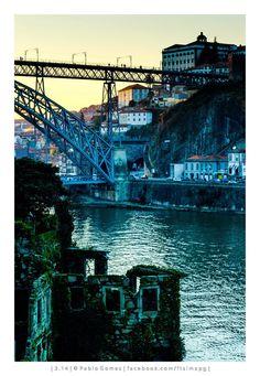 Porto visto desde Gaia / Oporto visto desde Gaia / Oporto viewed from Gaia [2014 - Gaia / Porto / Oporto - Portugal] #fotografia #fotografias #photography #foto #fotos #photo #photos #local #locais #locals #cidade #cidades #ciudad #ciudades #city #cities #europa #europe #turismo #tourism #rio #river #douro #duero @Visit Portugal @ePortugal @WeBook Porto @OPORTO COOL @Oporto Lobers