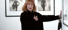 Bettina Graziani est celle qui a inspiré Hubert de Givenchy et Jacques Fath. Reconnaissable grâce à sa chevelure rousse et à ses pommettes hautes, elle fut l'une des premières mannequins po