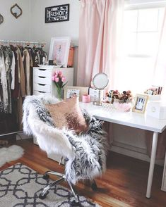 Having serious glam room withdrawals. I miss my old beauty room. I don't know what I'm going to do at our new house with the decor of my… My New Room, My Room, Glam Room, Room Goals, Beauty Room, Dream Bedroom, Room Inspiration, Bedroom Decor, New Homes