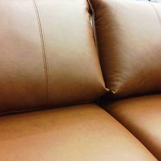 SOFA OF THE DAY Malli / Model: Chic Nahka / Leather: Soft Antique 1609  #pohjanmaan #pohjanmaankaluste #käsintehty