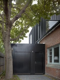 Edwards Residence by B.E Architecture - http://www.interiorredesignseminar.com/interior-design-ideas/edwards-residence-by-b-e-architecture/ -              Courtesy of B.E Architecture  Edwards Residence is a substantial alteration and addition to an existing Edwardian house. The bulk of the existing house has been retained whilst elements of the secondary structure have been removed to improve the utility of the house. The existing...