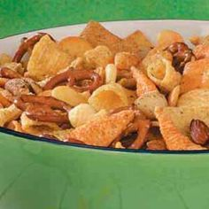 Cracker Snack Mix - - Cracker Snack Mix Snacks Cracker Snack Mix Recipe – BEST snack mix EVER! I sub in combos, ritz sandwich crackers, etc. Snack Mix Recipes, Appetizer Recipes, Cooking Recipes, Snack Mixes, Appetizer Ideas, Yummy Appetizers, Yummy Recipes, Sandwiches, Oyster Crackers