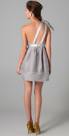 I think of Christmas and New Years eve when i see this dress. Love it