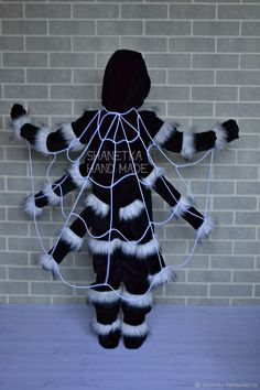 in Moscow # carnival costume - Fasching - Halloween Ideas Costume Halloween, Bug Costume, Theme Halloween, Diy Halloween Costumes For Kids, Dress Up Costumes, Halloween Spider, Costume Shop, Baby Costumes, Queen Costume