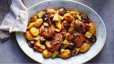 Jídla z jednoho hrnce mají své kouzlo. Nejenže neušpiníte moc nádobí, ale v… Turkey Recipes, Chicken Recipes, Snack Recipes, Cooking Recipes, Czech Recipes, Russian Recipes, Ethnic Recipes, Other Recipes, Food Hacks