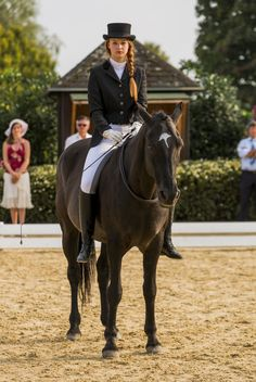 The most important role of equestrian clothing is for security Although horses can be trained they can be unforeseeable when provoked. Riders are susceptible while riding and handling horses, espec… Equestrian Outfits, Equestrian Style, Horse Dance, Types Of Horses, English Riding, Equine Photography, Horse Riding, Horseback Riding, Horse Girl