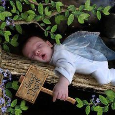 Very Funny Good Night Pictures - Quotes 4 You Cute Kids, Cute Babies, Age Tendre, Good Night Baby, Night Pictures, Baby Fairy, Good Night Image, Jolie Photo, Fairy Dolls