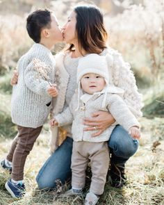 Toronto baby and family photographer - Bright and airy look - Natural light - Maternity - Film - Motherhood photographer