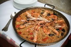 Ca l'Óscar   Tarragona  Si das una vuelta por el el casco antiguo de Tarragona, no puedes dejar de saborear una de las fideuàs o paellas de Ca l'Òscar... deliciosas!