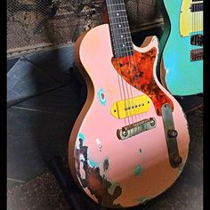 Check out the work they're doing over at @southland_guitars  this Southland Les…