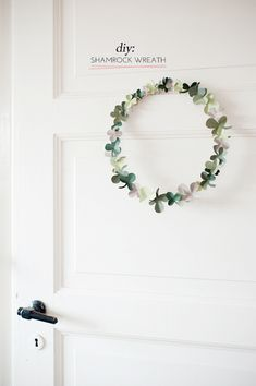 diy-shamrock-wreath