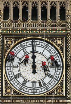 A team of cleaners on the face of Big Ben the famous clock in London, England… England And Scotland, England Uk, Westminster, London Calling, London Travel, Capital City, Great Britain, United Kingdom, Viajes