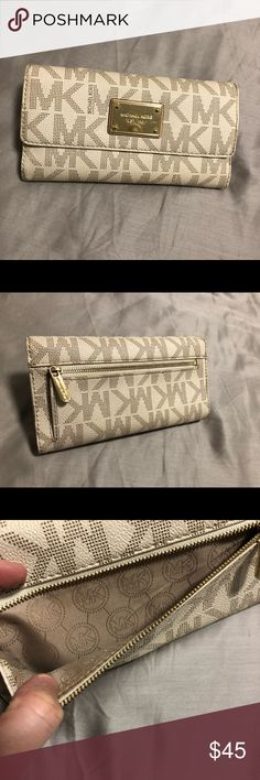 39539a5bbc2d Michael Kors Wallet Great condition! Snap closure. Removable check book  flap. Gold hardware