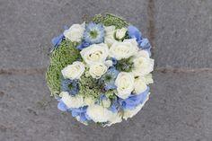 Blå og hvit sommerbukett // Blue and white summer bouquet