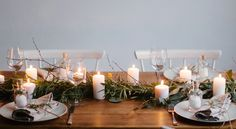 5 Simple Table Settings Using Greens & Candles Christmas Table Settings, Christmas Table Decorations, Noel Christmas, Outdoor Christmas, Christmas Decor, Table Set Up, A Table, Diy Tisch, Winter Centerpieces