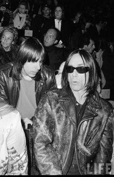 Iggy Pop and Johnny Ramone (The Ramones), RARE pic!! - photo © Life Magazine.