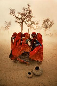 Steve McCurry  Tempête de poussière, Rajasthan, Inde 1983
